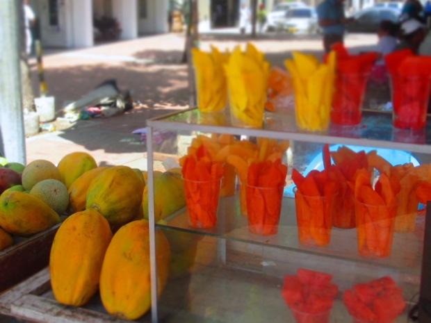colombia street fruit