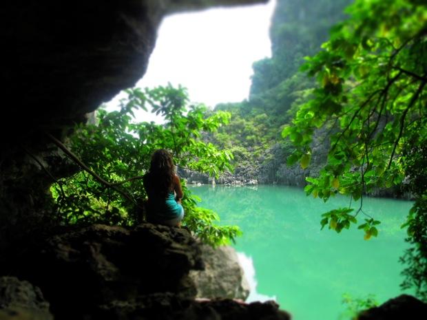 Lan ha bay cave