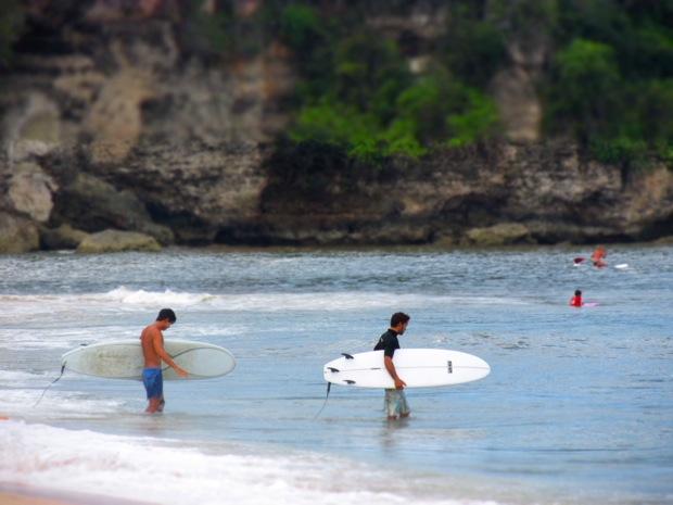 Bali's Bukit is Surfer Bliss